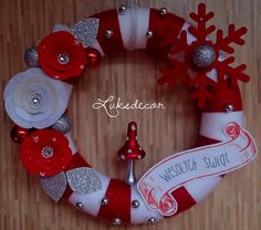Christmas Winter White Red Yarn Felt Wreath with white and red Roses, red Snowflake, silver Pearls and a Toadstool - https://www.facebook.com/Luksdecor