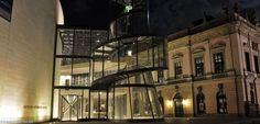 Fassade mit dem gläsernen Treppenturm des Deutschen Historischen Museums Berlin  http://besuch-berlin.de