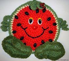 Прихватки крючком улыбчивые. Много фото ЗДЕСЬ http://razpetelka.ru/uyut-v-dome/prixvatki-kryuchkom-ulybchivye.html/