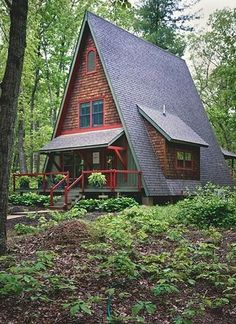 backyard studio is usually a shed or granny flat you put to good purpose by building or renovating it to serve as a studio. A backyard studio can be a Tiny House Cabin, Cabin Homes, Log Homes, Tiny Homes, A Frame House Plans, Haus Am See, Cabin In The Woods, Backyard Studio, Cabins And Cottages