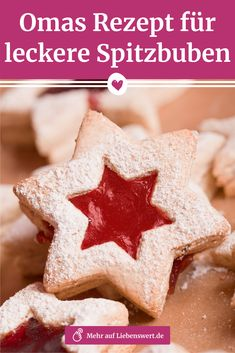 Spitzbuben backen: Omas Rezept für leckere Linzer Plätzchen In Advent and at the latest on the Christmas days rogue boys simply can not be missing. We show you how to bake the Linz cookies according to grandma's recipe. Baking Recipes, Cookie Recipes, Snack Recipes, Christmas Snacks, Christmas Baking, Thanksgiving Recipes, Fall Recipes, Biscuits, Linzer Cookies