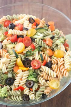 Easy Pasta Salad Recipe Without Italian Dressing.Easy Vegetable Pasta Salad With Italian Dressing . Home and Family Italian Dressing Pasta Salad, Homemade Italian Dressing, Salad Dressing Recipes, Italian Pasta, Balsamic Dressing, Italian Salad, Summer Pasta Salad, Easy Pasta Salad, Pasta Salad Recipes