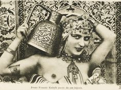 "Orientalist Postcard - ""Jeune Femme kabyle paree de ses bijoux"" - attributed to ND Phot. Antique Photos, Vintage Photographs, Vintage Images, Louise Brooks, Vintage Gypsy, Vintage Beauty, Old Pictures, Old Photos, Gypsy Life"