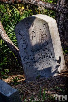 Disney Parks Haunted Mansion Madame Leota 3D Tombstone Grave Decor Brand New