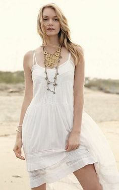 White dress  dressredress Bib Necklaces 30205be3829