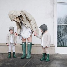 Mom style Hunter boots Mom and kids Raincoats Cute Kids, Cute Babies, Baby Kids, Pretty Kids, Babe, Photo Vintage, Family Goals, Family Family, Laura Lee