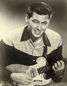 Grady Martin (January 17, 1929 - December 3, 2001) American guitarist (o.a. known from Elvis Presley, Buddy Holly and Roy Orbison).