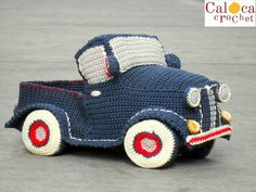 Amigurumi pattern classic vintage pickup truck. By Caloca Crochet.