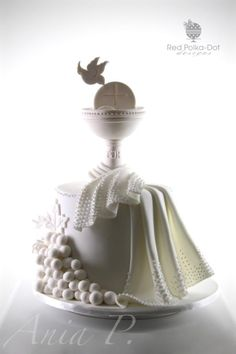 First Holy Communion by RED POLKA DOT DESIGNS (was GMSSC)/ Pastel de primera comunión.
