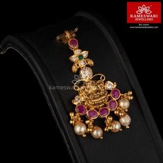 Shop traditional maang tikka online from Kameswari Jewellers in India. Choose from latest maang tikka and bridal jewellery collections. Gold Earrings Designs, Gold Jewellery Design, Diamond Jewellery, Tika Jewelry, Gold Jewelry, India Jewelry, Baby Jewelry, Beaded Jewelry, Indian Bridal Jewelry Sets