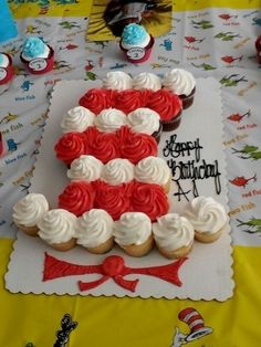 Cat in the Hat cupcake cake