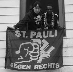 Gegen Rechts! Fc St Pauli, Football Casuals, My Giants, Looking To Buy, In A Heartbeat, Liverpool, Giant Pumpkin, Politics, Skull