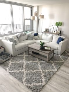brilliant solution small apartment living room decor ideas and remodel 33 ~ Home Design Ideas Living Room Grey, Small Living Rooms, Living Room Sets, Living Room Interior, Living Room Designs, Living Area, Cute Living Room, Lights For Living Room, Living Room With Carpet