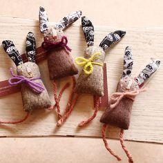 Apolline/アポリーヌ・ア・パリ2014SS新作!RabbitBrooches(うさぎのブローチ)フランスの手づくり人形【インテリア小物】【北欧雑貨】