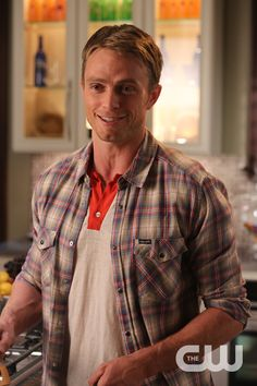 Behind the scenes of Dixie with Wilson Bethel