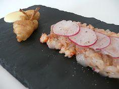 Tartare de dorade et d'écrevisses au yuzu, tempura de cuisses de grenouille, mayonnaise au wasabi