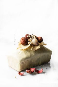Coconut and lychee cake with white chocolate glaze