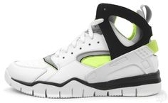"NIKE AIR HUARACHE BASKETBALL 2012 ""VOLT"""