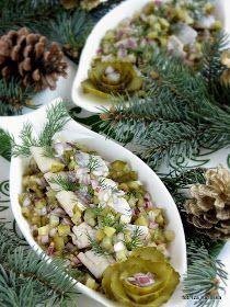 śledzie , ogórki , ogórek konserwowy , cebula , święta , boże narodzenie , wigilia , ryby , potrawy wigilijne , przepisy , smaczna pyza , blog kulinarny , świąteczny stół , post