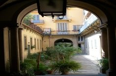 Beautiful courtyard in converted convent. The apartments are ideal for touring the city center.