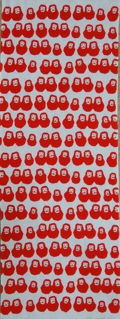 さるの起き上がり〈かまわぬ〉|手ぬぐいショー Japanese Textiles, Japanese Patterns, Japanese Cotton, Typography Prints, Hand Towels, Textile Design, Pattern Design, Graphics, Illustrations