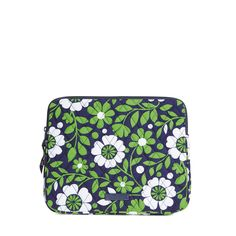 Vera Bradley Retired Deals and 50% off sale!! @poshonabudget http://poshonabudget.com/2016/09/vera-bradley-retired-deals-and-more.html