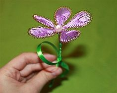 Ganutell flowers from wire and thread :: Kids crafts Wire Flowers, Beaded Flowers, Kirigami, Heart Ring, Crafts For Kids, Jewelry Making, Brooch, Beads, Rings