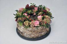 Flower cake - It is #Weekend... | Floral Blog | Bloemen, Workshops en Arrangementen | www.bissfloral.nl