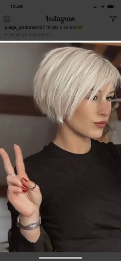 Bobs For Thin Hair, Short Hair With Layers, Short Hair Cuts For Women, Fine Hair Cuts, Short Thin Hair, Choppy Bob Hairstyles, Bob Hairstyles For Fine Hair, Medium Hair Styles, Short Hair Styles