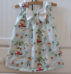 Let's Go Fly a Kite Bow Dress in sizes 1T or 2T by babygraybee, $32.00