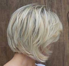 medium layered blonde bob
