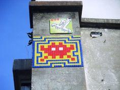 Space Invader Avenue Jean Aicard (75012, avec un serpent à plumes)
