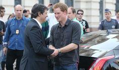 Príncipe Harry visita programa da Prefeitura na Cracolândia