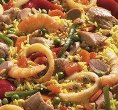 Arroz à Valenciana Mais - Easy Ethnic Recipes Entree Recipes, Rice Recipes, Meat Recipes, Seafood Recipes, Chicken Recipes, Cooking Recipes, Healthy Recipes, Pork Dishes, Fish Dishes