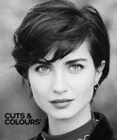 Vrouwelijke kort haar look | Cuts & Colours