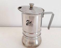 Vintage cafetière italienne cafetière cuisinière rétro | Etsy Machine Expresso, Retro Mode, Stove, Espresso, Coffee Maker, Kitchen Appliances, Etsy, Vintage Paintings