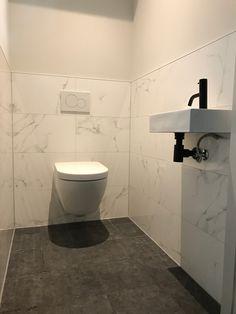 Toilet met marmer Heerenveen smalltoiletroom Toilet with marb