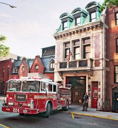 fire aparatus, Engine Company 224 (1903), 274 Hicks Street, Brooklyn Heights, New York