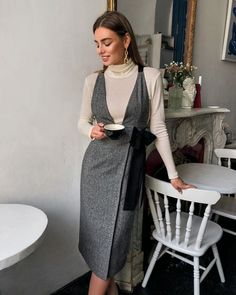 1 – Casual Dresses For Work – Casual dresses Celebrity Casual Outfits, Professional Outfits, Classy Outfits, Stylish Outfits, Celebrity Style, Casual Work Dresses, Dresses For Work, Body Con Dress, Dress Outfits