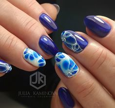 Bluish Accent. This white ad different hues of blue is really perfect for the spring, as it features all the colors and patterns that can fit the spring theme.