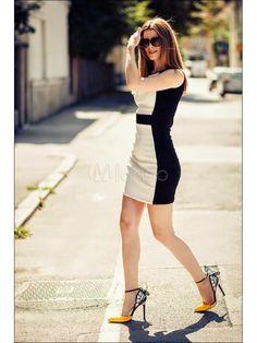 vestido bodycon & tacones sexy http://www.milanoo.com/es/producto/sandalias-de-pu-adornado-de-mariposa-de-estilo-sexy-p463735.html