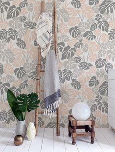 Deliciosa wallpaper in Quartz by Aimee Wilder