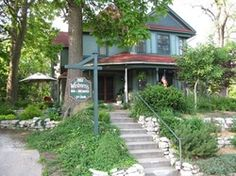 Winborn's Bed and Breakfast is a wonderfully restored historic home in the neighborhood of the village of East Davenport, located near shopping, restaurants and entertainment. #CozyUpInIowa
