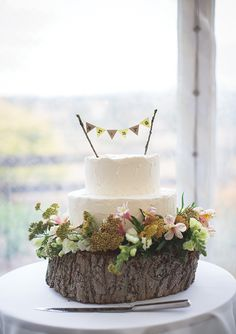Love the idea of a cake on a wood block!  We have heaps of wood blocks as well!