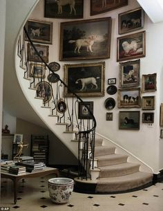 like the idea of picture collage for curved area-minus all the dogs!