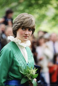 Image detail for -GREAT BRITAIN - MAY 09: Lady Diana Spencer (later to become Diana, Princess of Wales) on a walkabout at Broadlands, the former home of Earl Mountbatten, during her engagement, The frilly collar, a distinctive