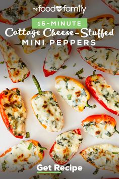 These tasty Cottage Cheese-Stuffed Mini Peppers should be on everyone's must-try list—especially since they're ready in 15 minutes! Make this quick & delicious Healthy Living recipe with mini sweet peppers, BREAKSTONE'S Cottage Cheese, KRAFT Balsamic Vinaigrette and Italian Five Cheese Blend. Healthy Living Recipes, Healthy Dinner Recipes, Diet Recipes, Healthy Tips, Healthy Meals, Healthy Food, Stuffed Peppers Healthy, Cheese Stuffed Peppers, Stuffed Sweet Peppers
