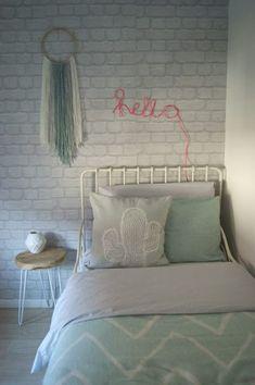 DIY: Maak je eigen wandhanger - Siefshome Let's look at the girl bedroom idea below. choose what you love Home Decor Bedroom, Trendy Bedroom, Bedroom Interior, Bedroom Design, Shared Girls Bedroom, Girls Bedroom, Simple Bedroom, Bedroom Diy, Small Bedroom