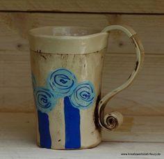 Handgefertigte Tasse aus Ton mit Rosenmuster. Für eine gemütliche Stunde bei Kaffee oder Tee...    Tasse für Individualisten! Ich habe diese Tasse nac
