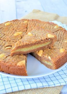 Gevulde speculaas boterkoek - Laura's Bakery Dutch Recipes, Baking Recipes, Sweet Recipes, Cookie Recipes, Cupcakes, Cake Cookies, Cupcake Cakes, Bake My Cake, Dessert Cake Recipes